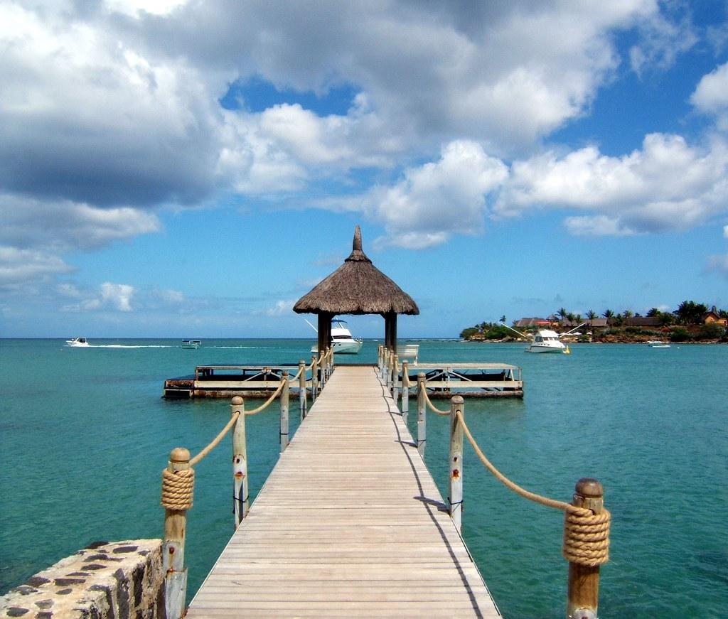 https://www.travelowiz.com/wp-content/uploads/2020/01/mauritius-honeymoon-package.jpg